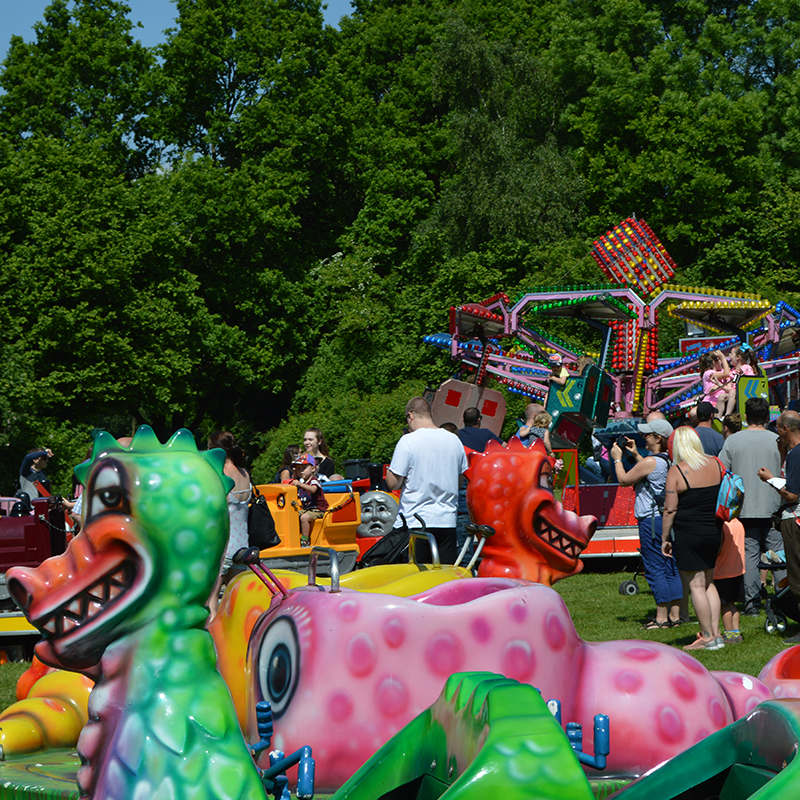 Children's fairground rides linking to Children's Activities page