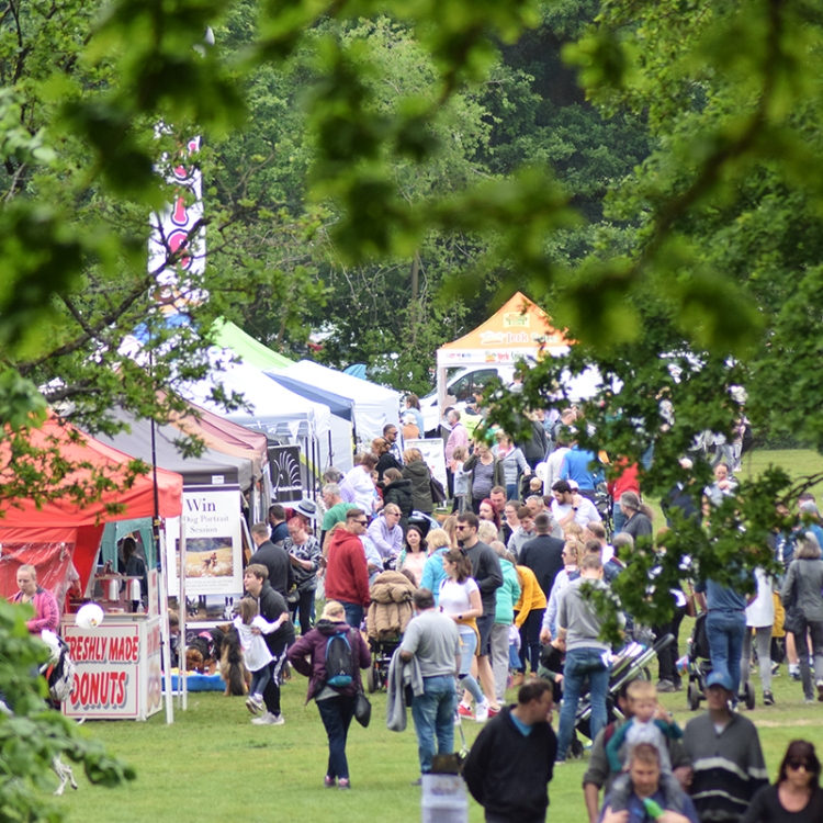 Photo of stalls linking to Food and Drink page